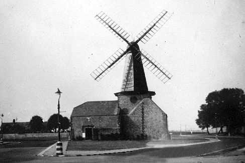 Blatchington Mill circa 1945- Image reproduced with kind permission of Ray Hamblett